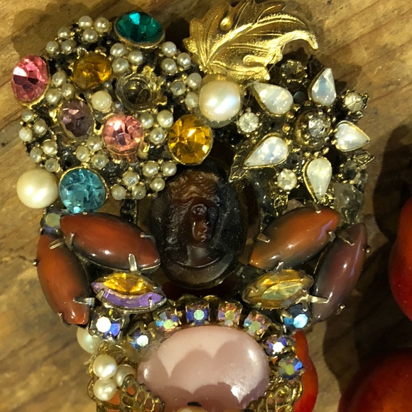 Unknown Jewelry - COLORFUL  VINTAGE  BROOCH